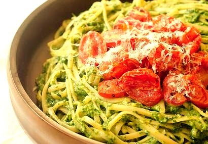 Creamy Spinach Pasta with Roasted Tomatoes
