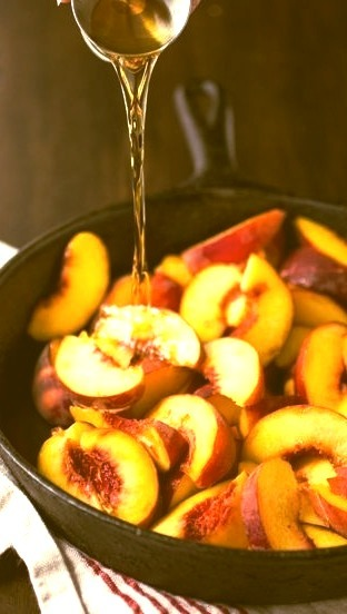 Grilled peaches in bourbon,