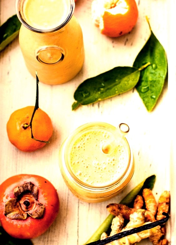 Persimmon and Tangerine Smoothie with Vanilla, Ginger and Turmeric